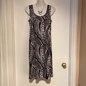 🆕 Black & White Dress -EUC -Small A must have!!!